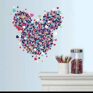 MINNIE MOUSE GIANT WALL DECAL - 💕 HEART CONFETTI